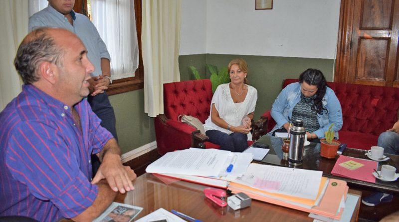 """Diego """"Tape"""" Caram recibió en su oficina a los funcionarios libreños"""