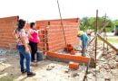 Comenzó la construcción del monoambiente para la familia Zarza