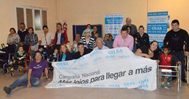 La ONG CILSA junto a Nito Artaza entregó sillas de ruedas y elementos ortopédicos