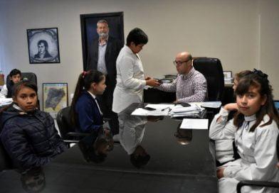 Alumnos de la Escuela Nº 668 entrevistaron al Jefe Comunal