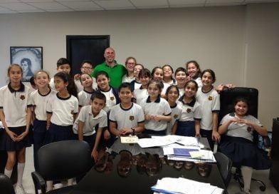 Ascúa recibió en el Palacio municipal  a alumnos del Instituto Niño Jesús.