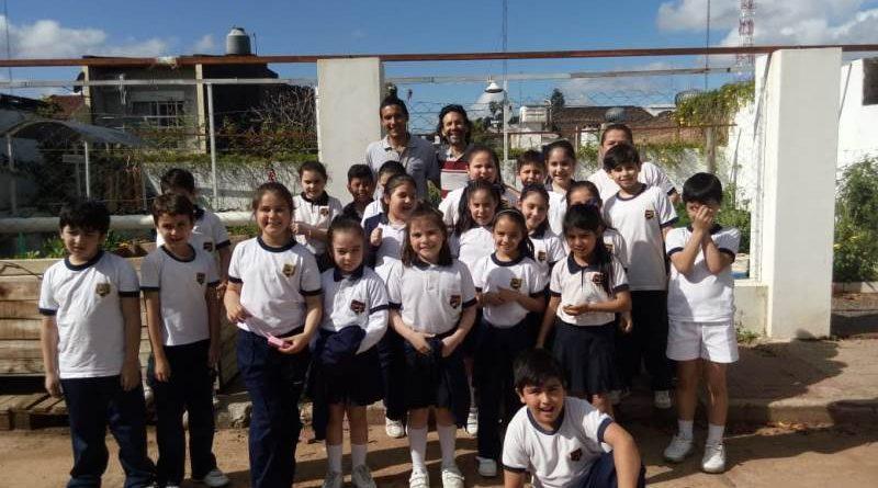 Alumnos del Nivel Primario del INJ visitaron la Huerta Municipal