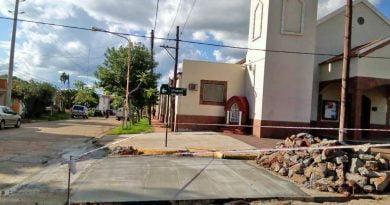 Bacheo en intersección de Uruguay y Mercedes Franco