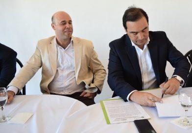 Con participación de Martín Ascúa: Se firmó el convenio de traspaso del Aeropuerto de la ciudad