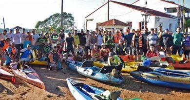 """65 Kayakistas participaron de la 1er. Travesía Internacional """"Yapeyú – Paso de los Libres"""""""