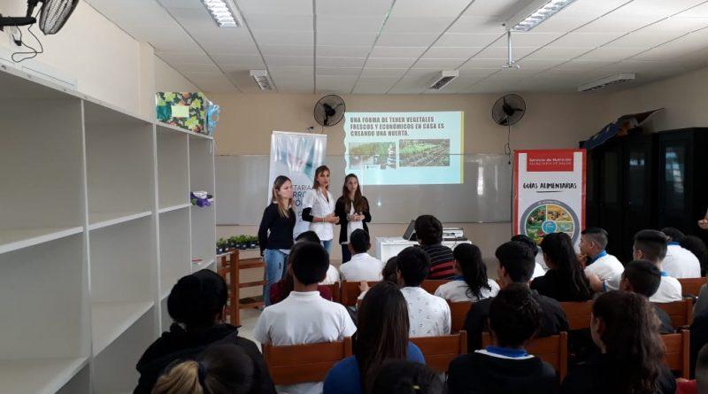 """Kioscos Saludables: El equipo de Nutrición y el Vivero Municipal visitó la Escuela """"Raúl Alfonsín"""""""