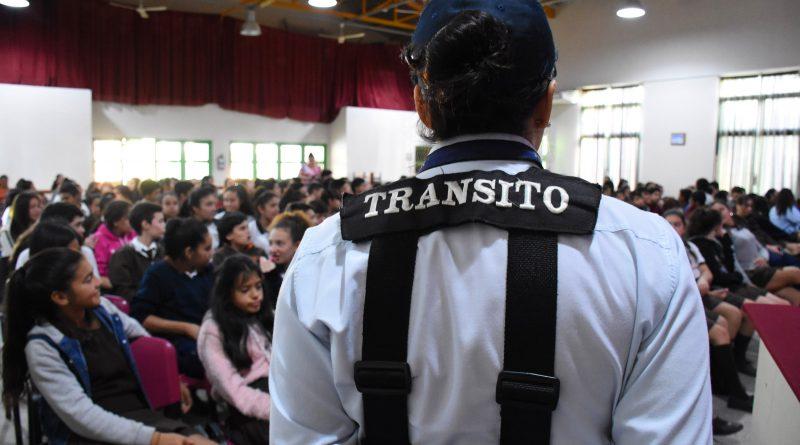 """Taller de Educación Vial para alumnos de la Escuela Técnica """"Amalia Herrera de Aguirre"""""""