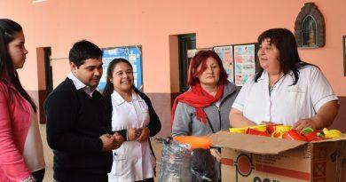 El Municipio asistió a la Escuela 558 con elementos de primera necesidad
