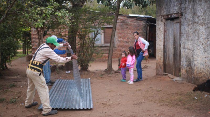 El Municipio ayuda a construir viviendas de material