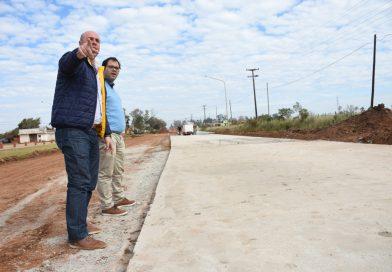 Martín Ascúa recorrió obras en distintos barrios de la ciudad