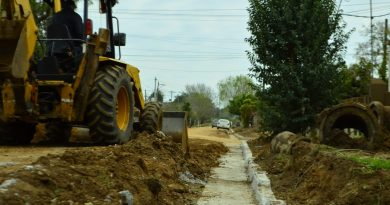 Avanza la construcción de cordón cuneta en Yrigoyen y 25 de Mayo
