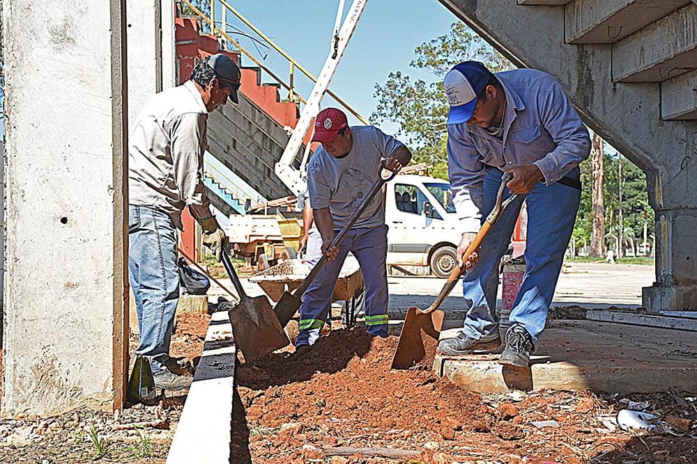 Comenzaron los trabajos en el Sambódromo Municipal – Municipalidad de Paso  de los Libres