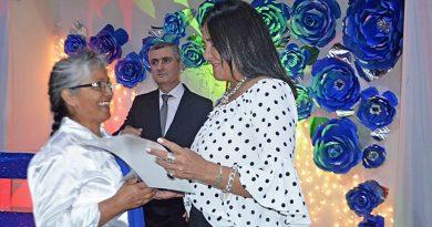El Municipio acompañó el acto de colación de los talleres para adultos