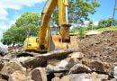 Comenzó la reconstrucción del muro de contención de la costanera