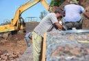 Obra pública en la ciudad: Construcción de muro de contención de costanera y enripiado de calles