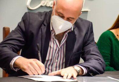 Martín Ascúa activó programa de regularización laboral para trabajadores y trabajadoras del Municipio de Libres