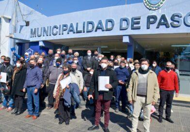 """""""Tincho"""" Ascúa y trabajadores municipales firmaron histórica regularización laboral en Paso de los Libres"""